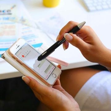 Stylo à bille avec stylet pour tablette / smartphone